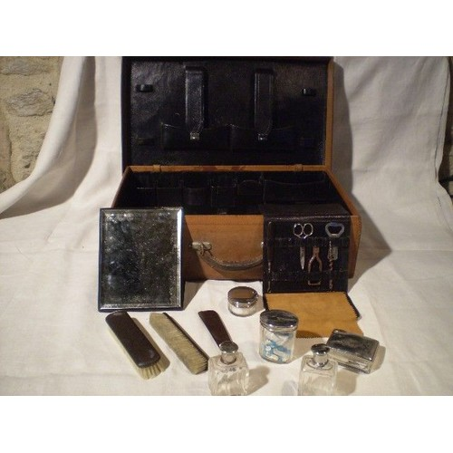 valise ancienne toilette 1920 achat vente neuf occasion rakuten. Black Bedroom Furniture Sets. Home Design Ideas