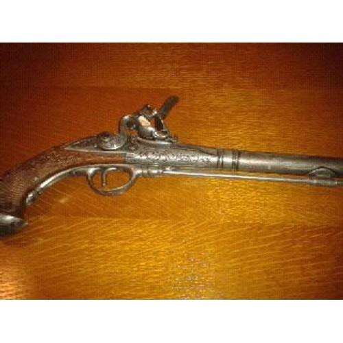 Pistolet factice pour d coration en m tal mouler achat for Pistolet decoration