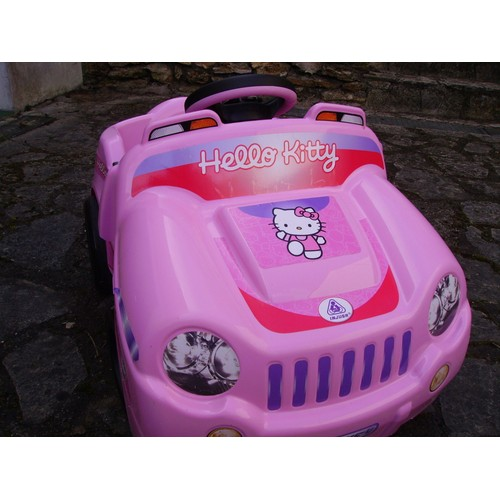 voiture 4x4 hello kitty