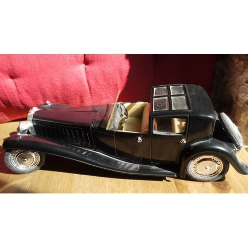 voiture mod le r duit bugatti royale 1930 type 41 solido. Black Bedroom Furniture Sets. Home Design Ideas