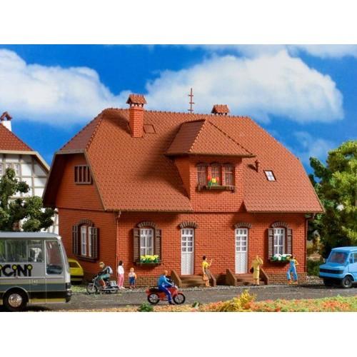 vollmer 3659 maison jumelee en brique rouge 1 87 ho siedlungshaus maquette train. Black Bedroom Furniture Sets. Home Design Ideas