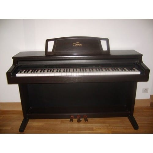 yamaha clavinova clp 500 piano lectrique achat et vente. Black Bedroom Furniture Sets. Home Design Ideas